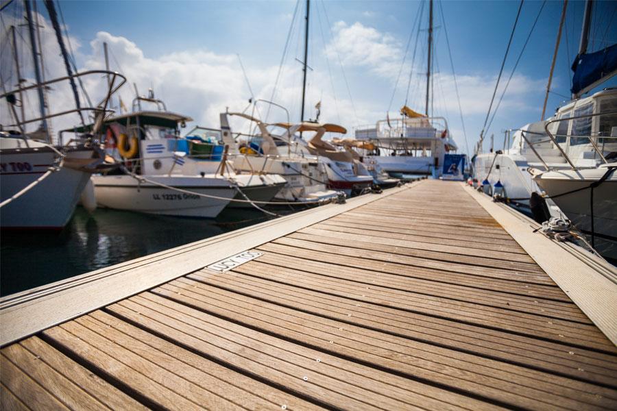 aluminum boat lift bunks vs wood
