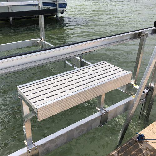 4043-012 SVI Boat Lift Step Over Universal
